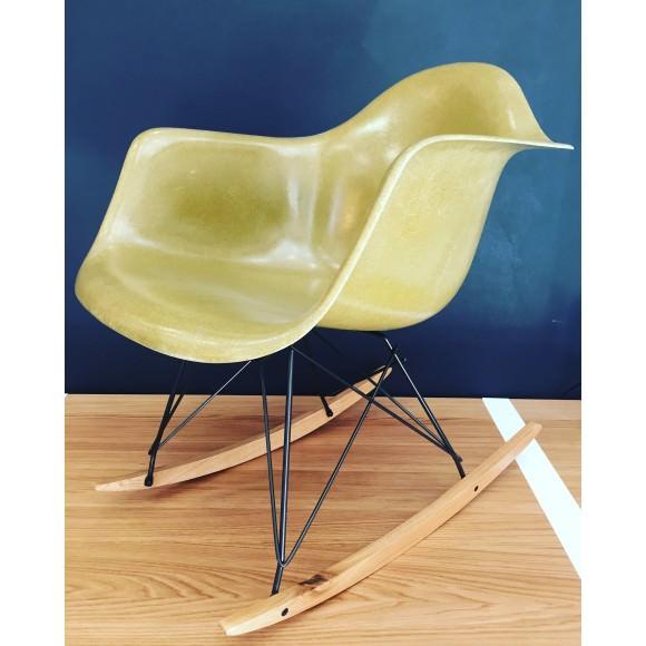 rar-rocking-chair-eames-original-et-vintage-olive-herman-miller